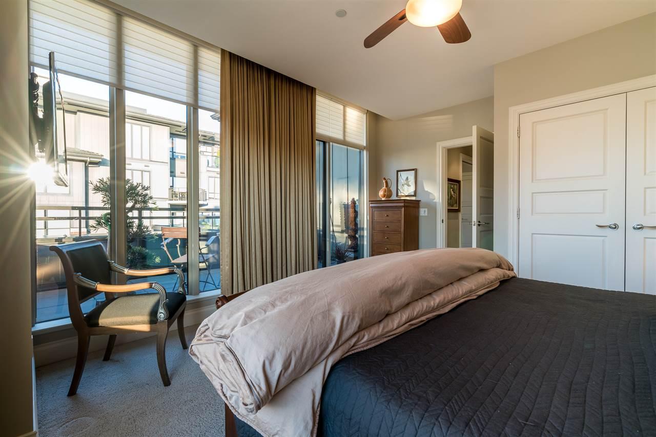 Condo Apartment at 701 1550 MARTIN STREET, Unit 701, South Surrey White Rock, British Columbia. Image 18