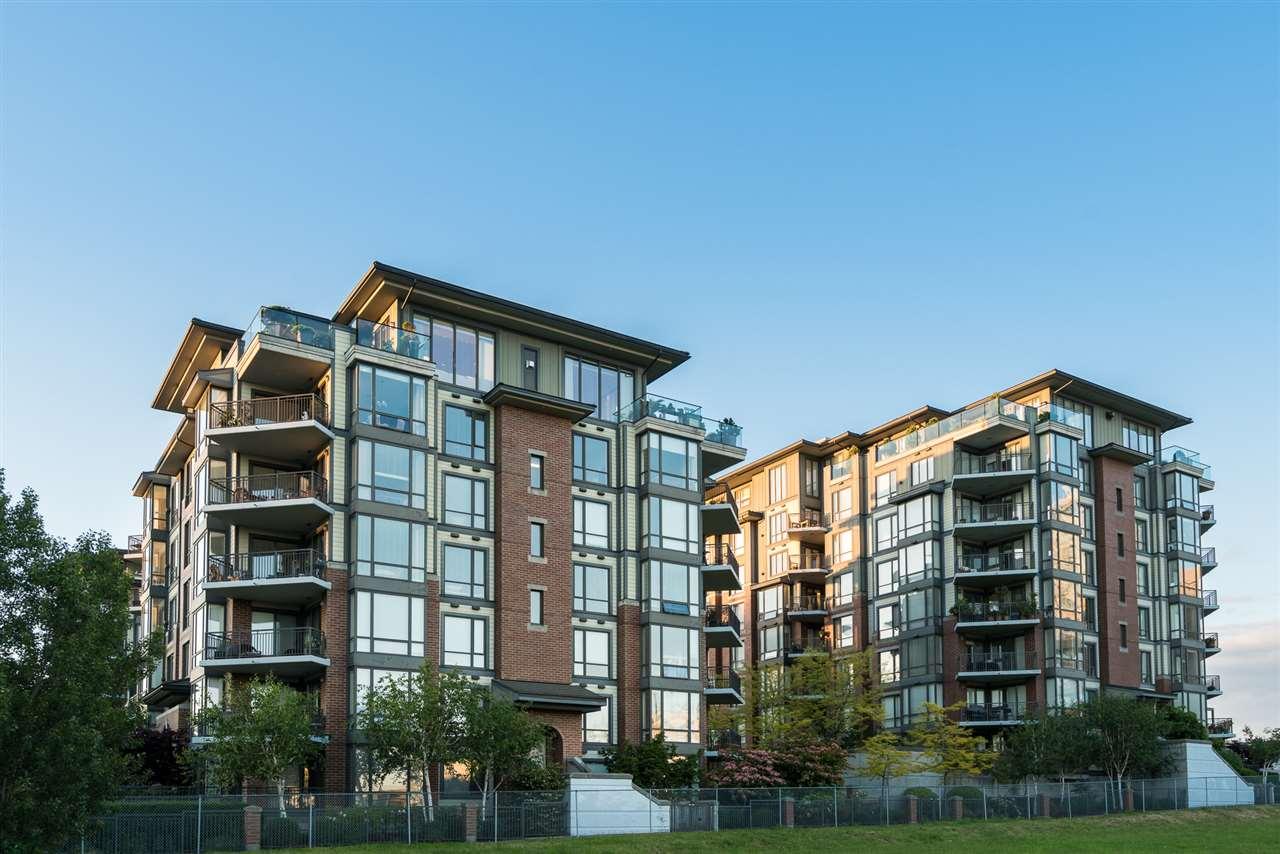 Condo Apartment at 701 1550 MARTIN STREET, Unit 701, South Surrey White Rock, British Columbia. Image 19