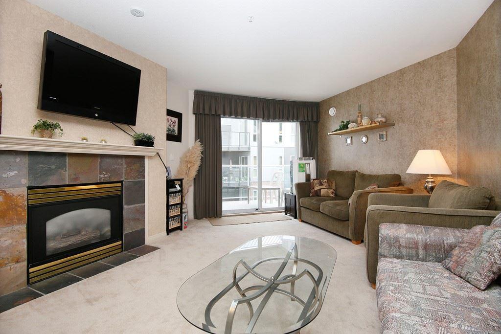 Condo Apartment at 312 328 ESPLANADE AVENUE, Unit 312, Harrison Hot Springs, British Columbia. Image 2