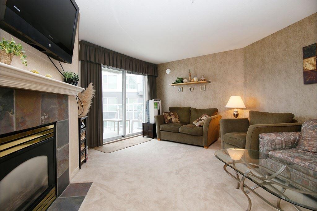 Condo Apartment at 312 328 ESPLANADE AVENUE, Unit 312, Harrison Hot Springs, British Columbia. Image 3