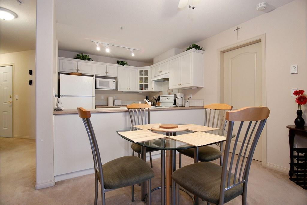 Condo Apartment at 312 328 ESPLANADE AVENUE, Unit 312, Harrison Hot Springs, British Columbia. Image 5