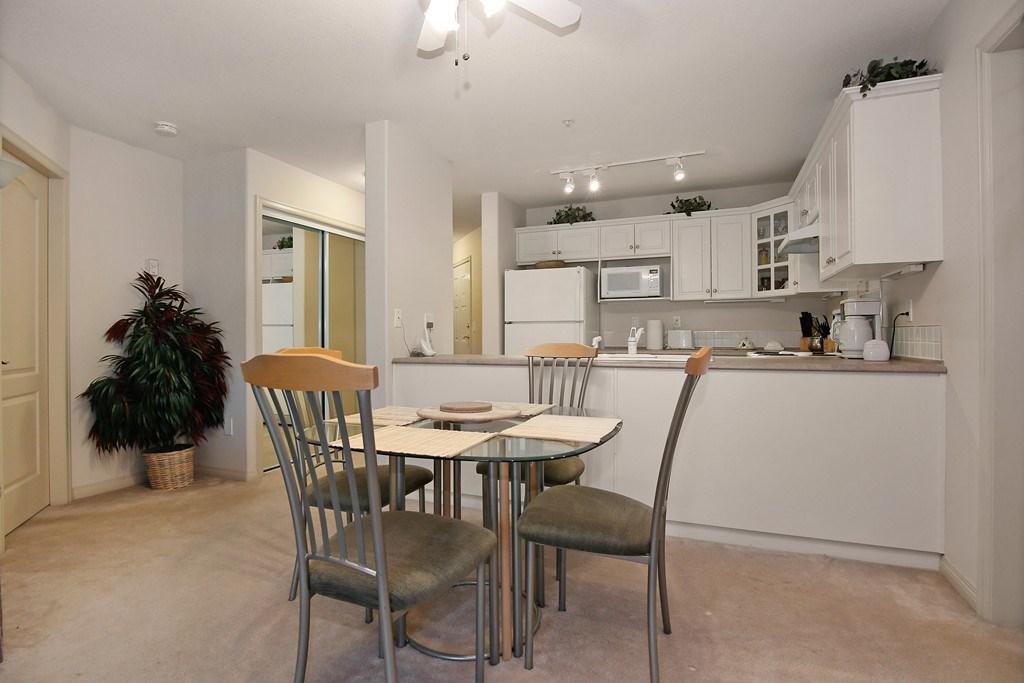 Condo Apartment at 312 328 ESPLANADE AVENUE, Unit 312, Harrison Hot Springs, British Columbia. Image 6