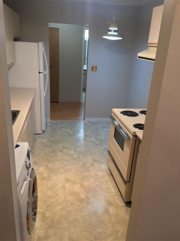 Condo Apartment at 206 1720 SOUTHMERE CRESCENT, Unit 206, South Surrey White Rock, British Columbia. Image 4