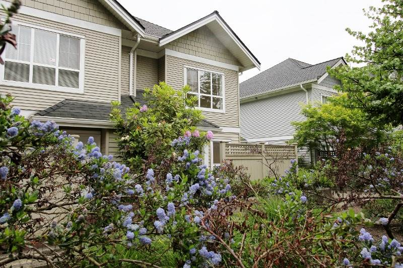 Townhouse at 40 6670 RUMBLE STREET, Unit 40, Burnaby South, British Columbia. Image 1