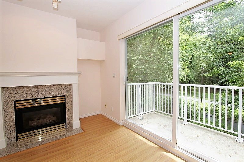 Townhouse at 40 6670 RUMBLE STREET, Unit 40, Burnaby South, British Columbia. Image 3