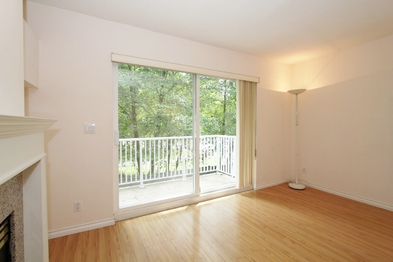 Townhouse at 40 6670 RUMBLE STREET, Unit 40, Burnaby South, British Columbia. Image 4