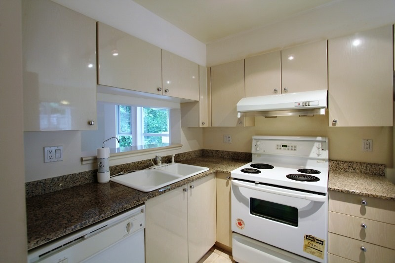 Townhouse at 40 6670 RUMBLE STREET, Unit 40, Burnaby South, British Columbia. Image 6