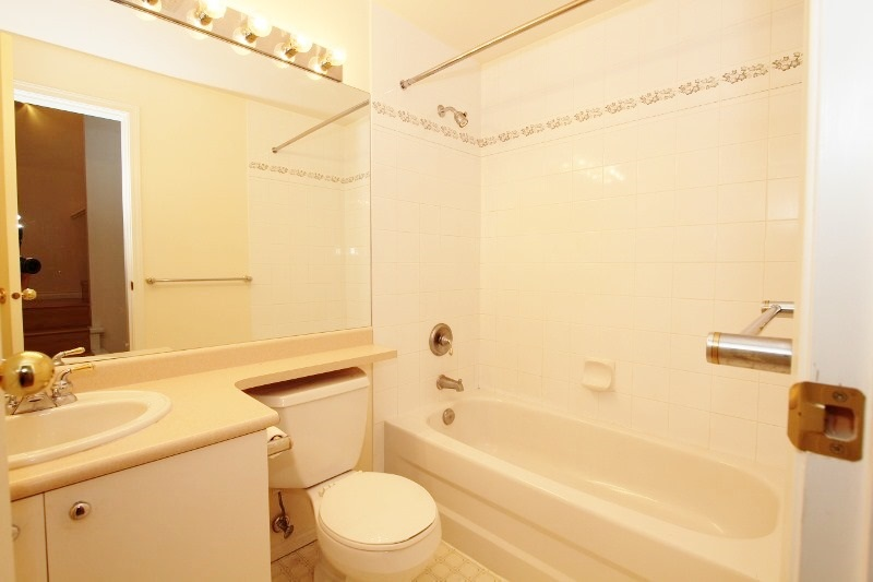 Townhouse at 40 6670 RUMBLE STREET, Unit 40, Burnaby South, British Columbia. Image 10