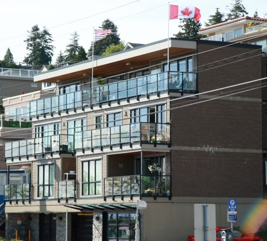Condo Apartment at 302 15449 MARINE DRIVE, Unit 302, South Surrey White Rock, British Columbia. Image 1