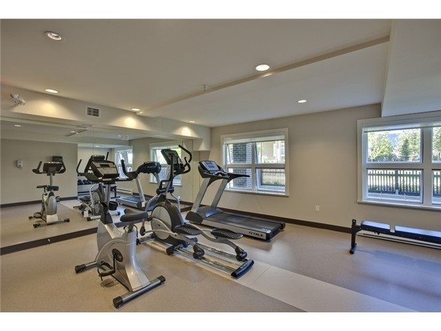 Condo Apartment at 313 5885 IRMIN STREET, Unit 313, Burnaby South, British Columbia. Image 4
