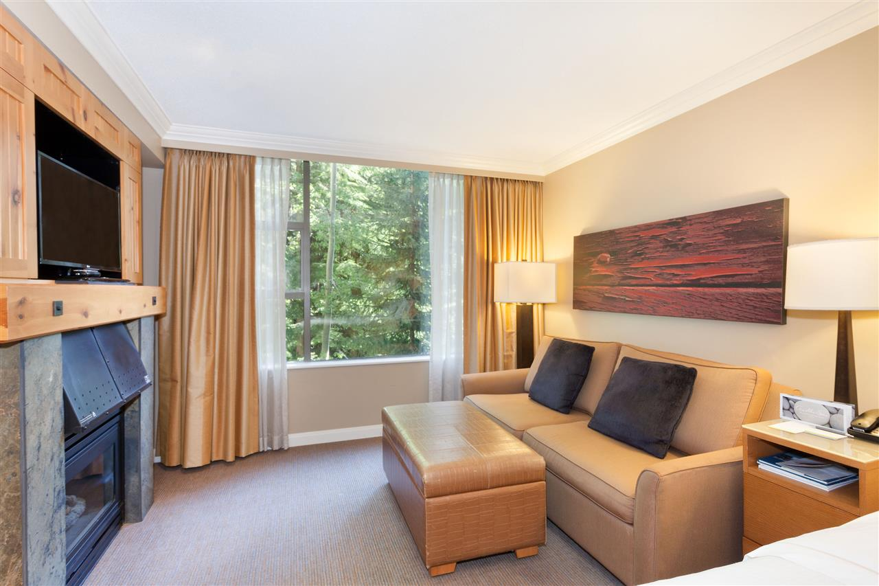 Condo Apartment at 575 4090 WHISTLER WAY, Unit 575, Whistler, British Columbia. Image 2