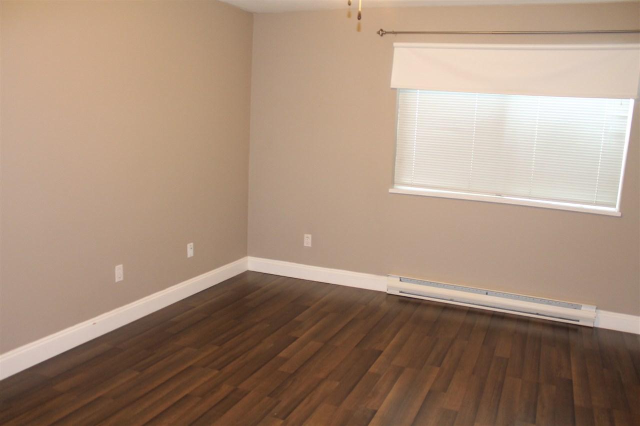 Condo Apartment at 101 32044 OLD YALE ROAD, Unit 101, Abbotsford, British Columbia. Image 4