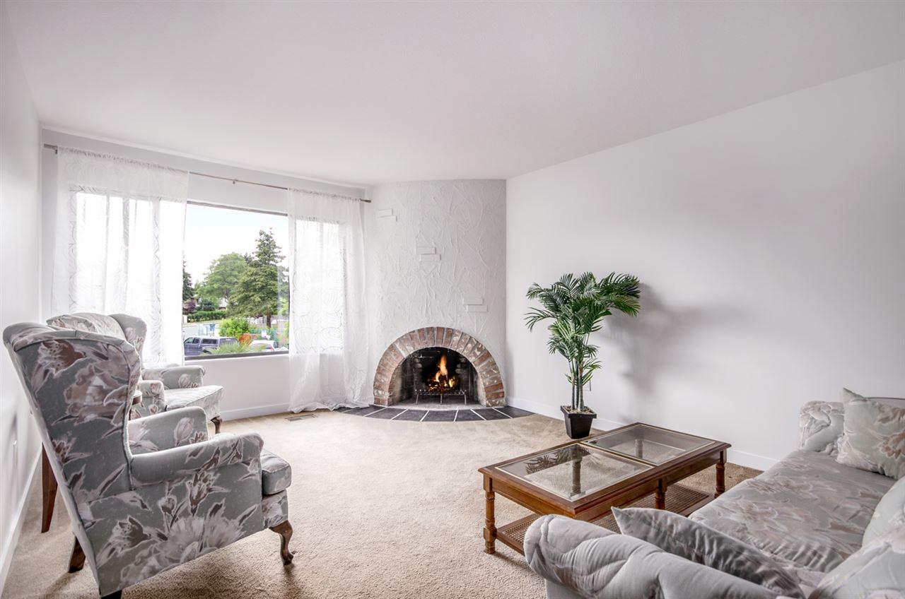 Half-duplex at 4991 MARIPOSA COURT, Richmond, British Columbia. Image 1