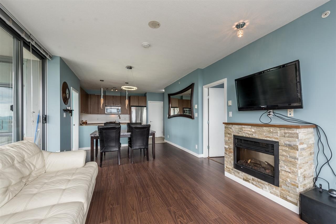 Condo Apartment at 1606 280 ROSS DRIVE, Unit 1606, New Westminster, British Columbia. Image 8