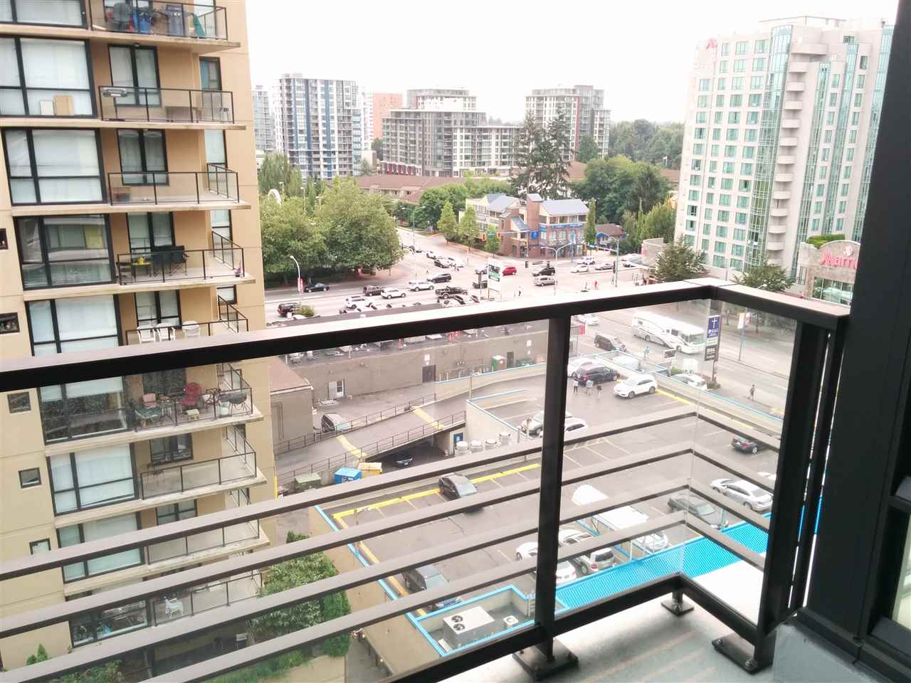Condo Apartment at 1310 7733 FIRBRIDGE WAY, Unit 1310, Richmond, British Columbia. Image 13