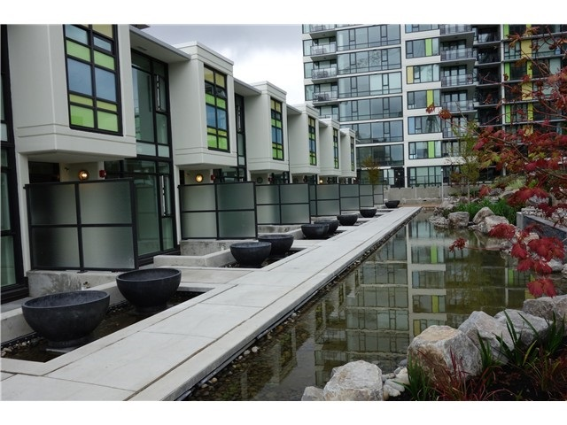 Condo Apartment at 1310 7733 FIRBRIDGE WAY, Unit 1310, Richmond, British Columbia. Image 19