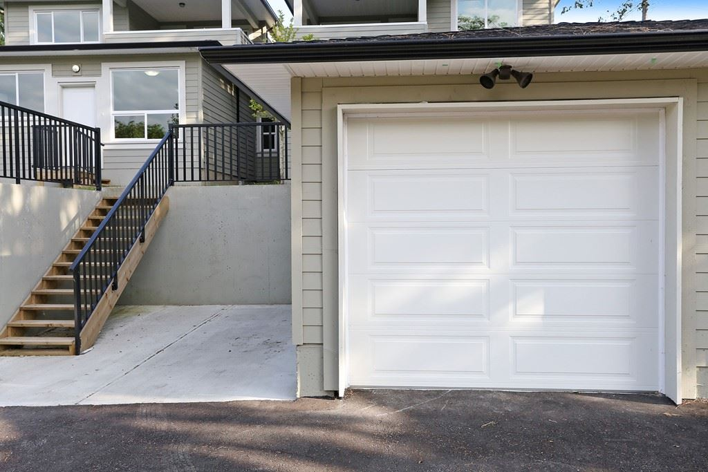 Half-duplex at 5047 BUXTON STREET, Burnaby South, British Columbia. Image 20