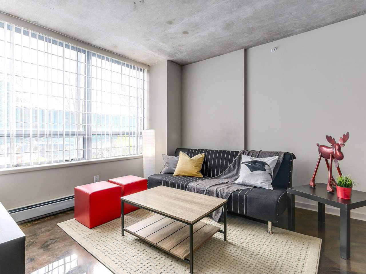 Condo Apartment at 905 STATION STREET, Vancouver East, British Columbia. Image 1