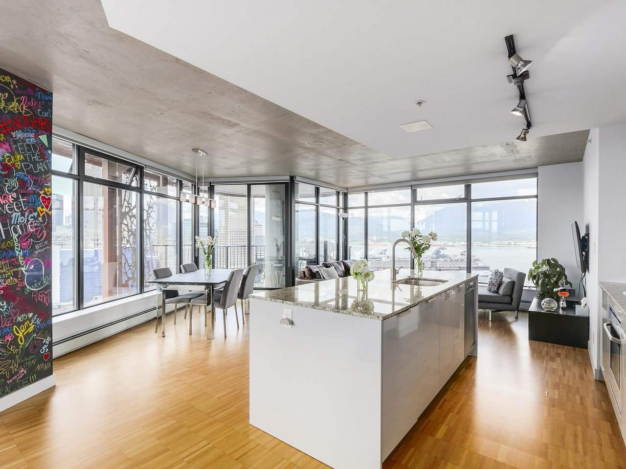 Condo Apartment at 2510 128 W CORDOVA STREET, Unit 2510, Vancouver West, British Columbia. Image 4