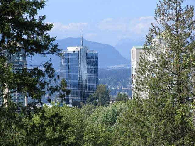 Condo Apartment at 905 13325 102A AVENUE, Unit 905, North Surrey, British Columbia. Image 4