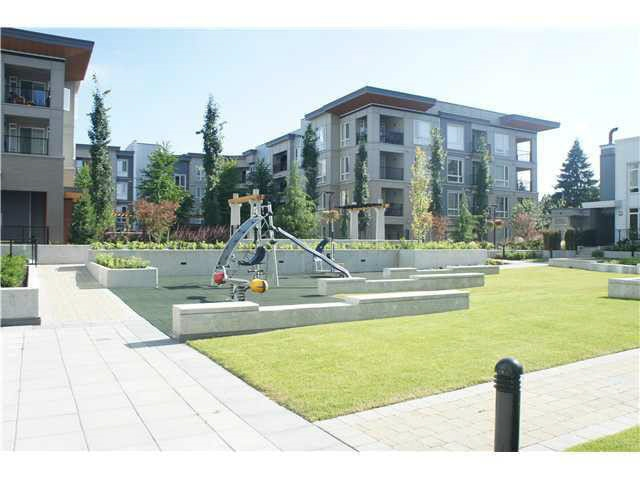 Condo Apartment at 905 13325 102A AVENUE, Unit 905, North Surrey, British Columbia. Image 5