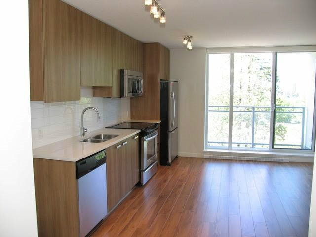 Condo Apartment at 905 13325 102A AVENUE, Unit 905, North Surrey, British Columbia. Image 7