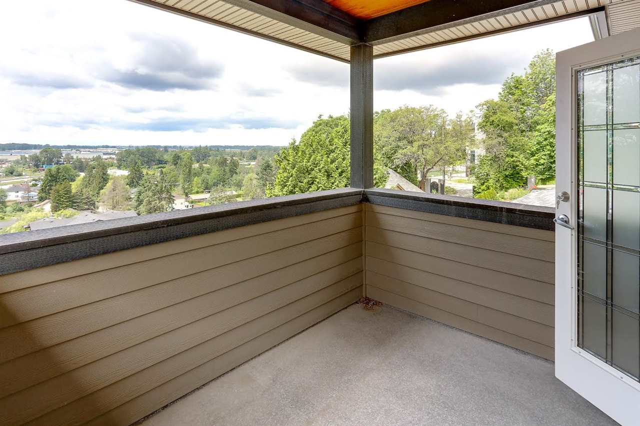 Detached at 6508 MARINE DRIVE, Burnaby South, British Columbia. Image 16