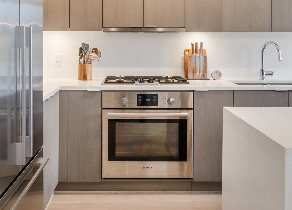 Condo Apartment at PH1 5555 DUNBAR STREET, Unit PH1, Vancouver West, British Columbia. Image 6