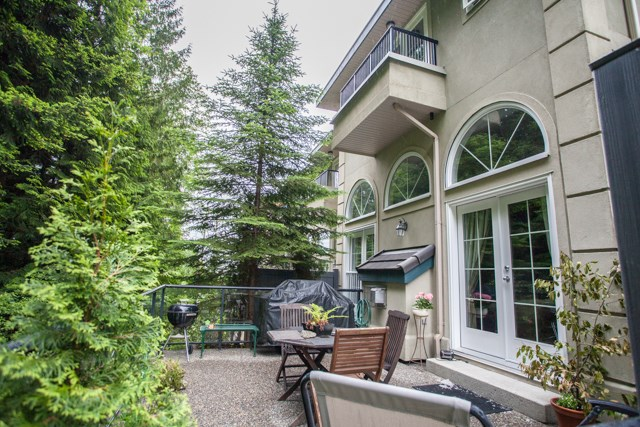 Townhouse at 4 1651 PARKWAY BOULEVARD, Unit 4, Coquitlam, British Columbia. Image 19