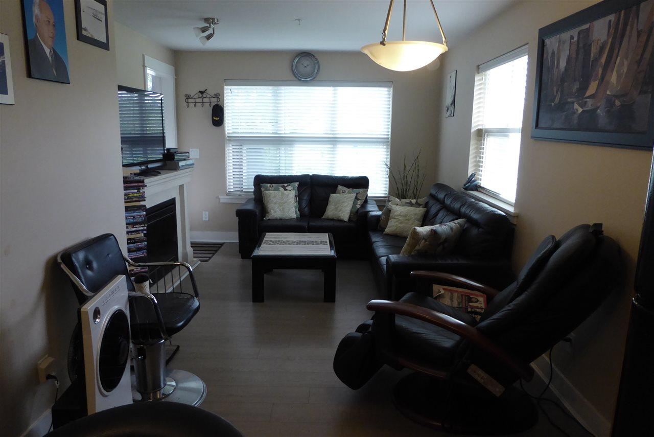 Condo Apartment at 117 30515 CARDINAL AVENUE, Unit 117, Abbotsford, British Columbia. Image 2