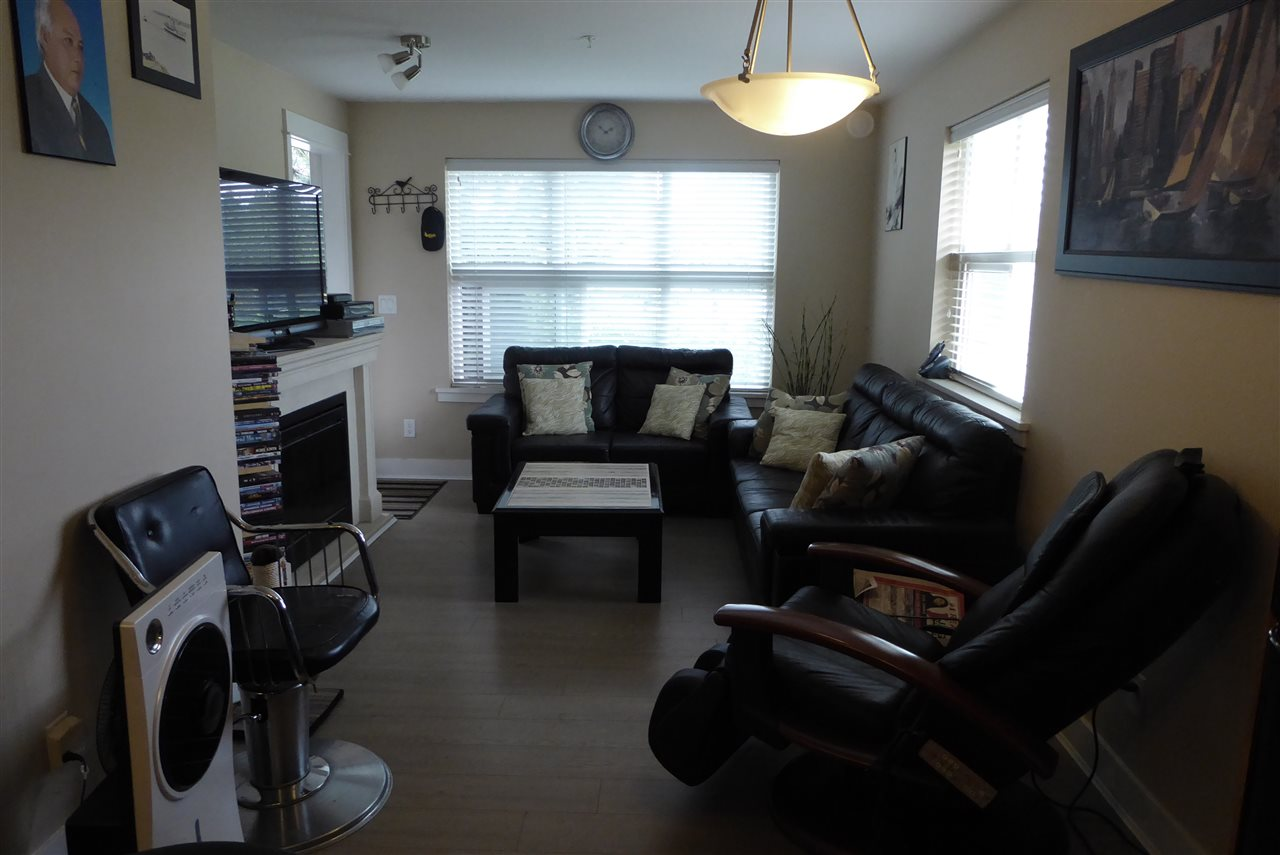 Condo Apartment at 117 30515 CARDINAL AVENUE, Unit 117, Abbotsford, British Columbia. Image 6