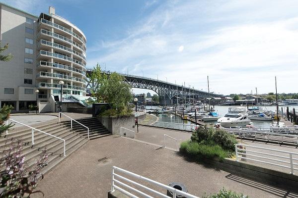 Condo Apartment at 602 1600 HOWE STREET, Unit 602, Vancouver West, British Columbia. Image 2