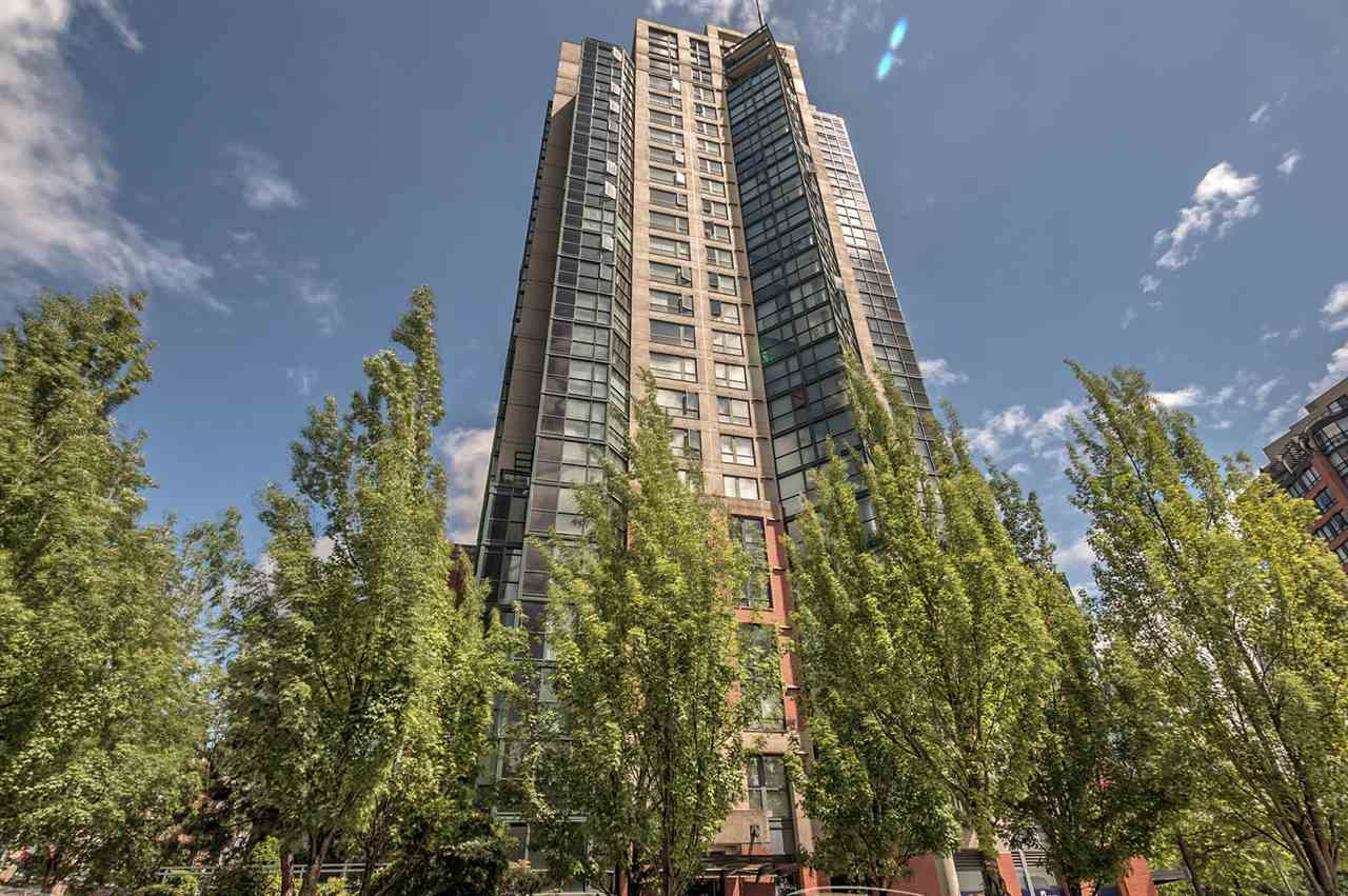 Condo Apartment at 1702 289 DRAKE STREET, Unit 1702, Vancouver West, British Columbia. Image 20