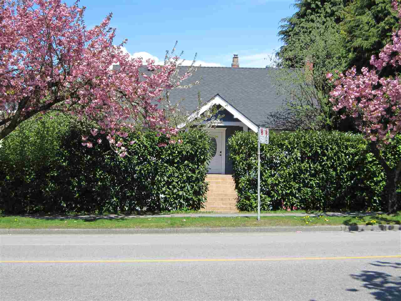 Detached at 15 W KING EDWARD AVENUE, Vancouver West, British Columbia. Image 1