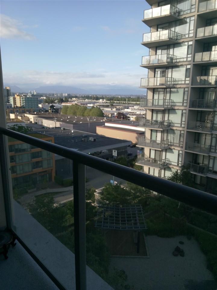 Condo Apartment at 1001 7360 ELMBRIDGE WAY, Unit 1001, Richmond, British Columbia. Image 2