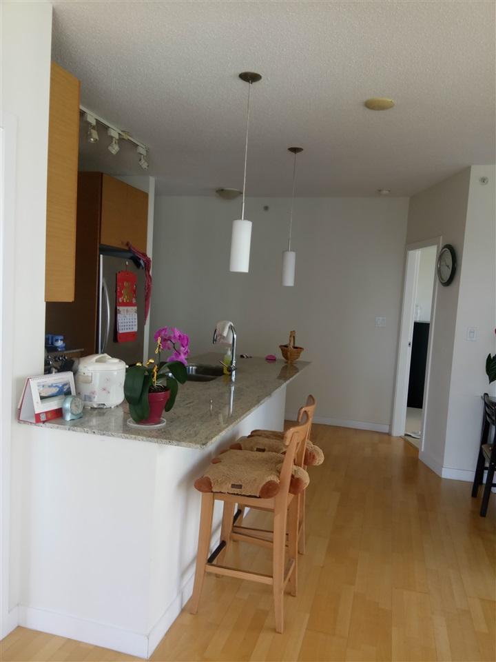 Condo Apartment at 1001 7360 ELMBRIDGE WAY, Unit 1001, Richmond, British Columbia. Image 3