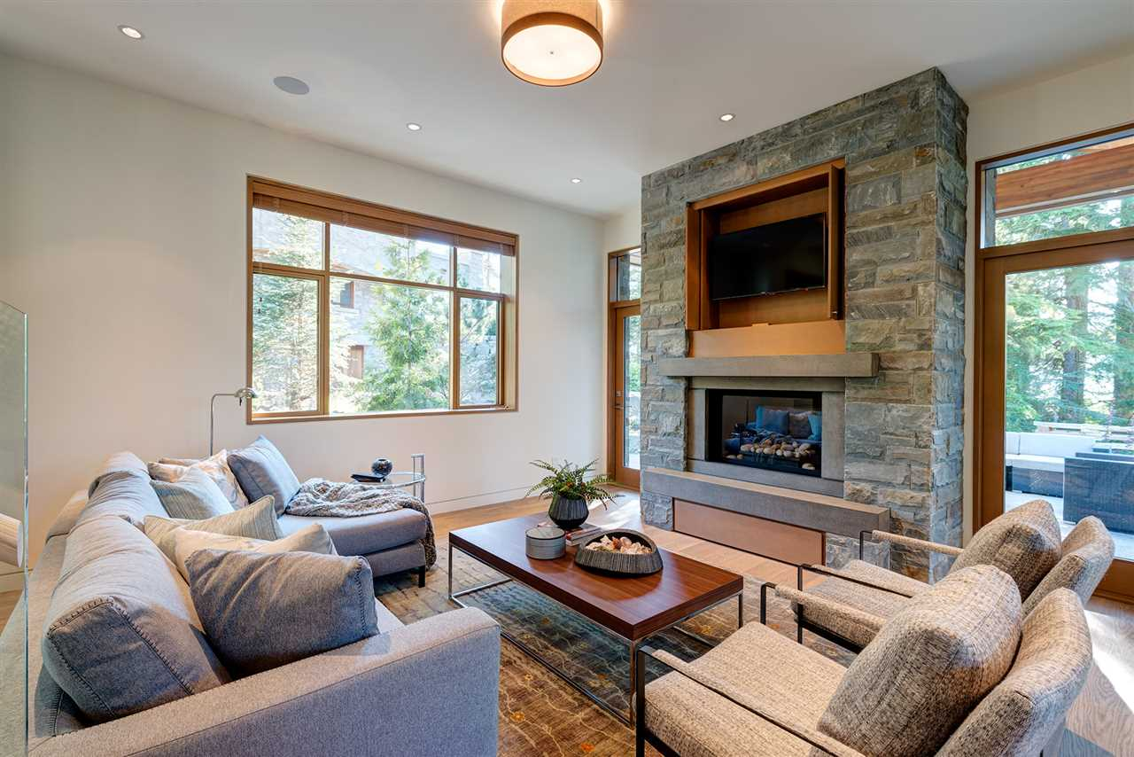 Detached at 2927 ANCIENT CEDARS LANE, Whistler, British Columbia. Image 7