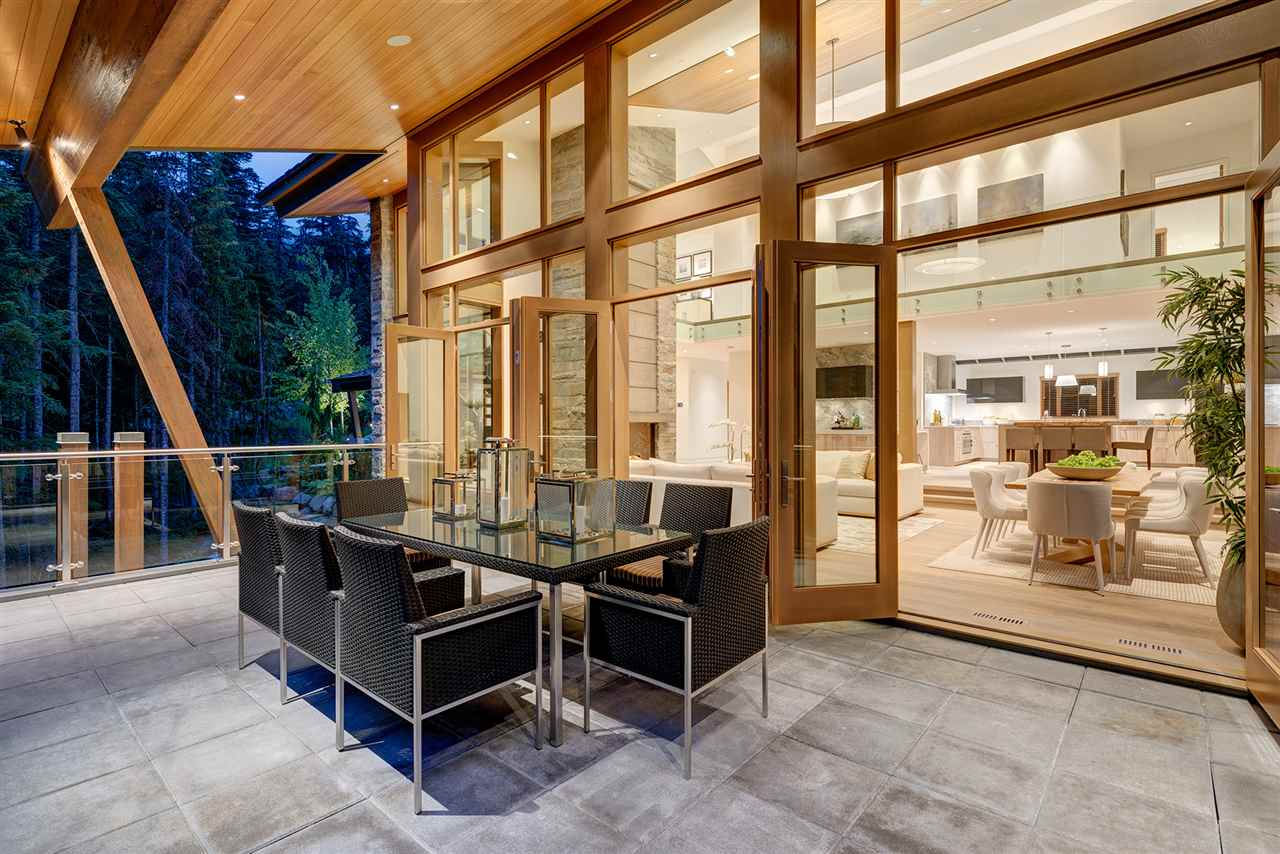 Detached at 2927 ANCIENT CEDARS LANE, Whistler, British Columbia. Image 16