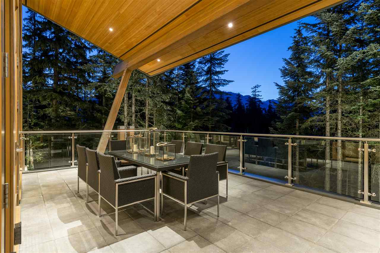 Detached at 2927 ANCIENT CEDARS LANE, Whistler, British Columbia. Image 17