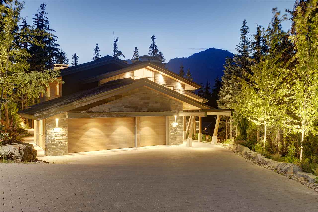 Detached at 2927 ANCIENT CEDARS LANE, Whistler, British Columbia. Image 20