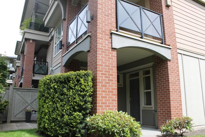 Condo Apartment at 114 1787 154 STREET, Unit 114, South Surrey White Rock, British Columbia. Image 2