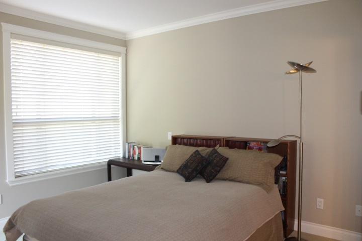 Condo Apartment at 114 1787 154 STREET, Unit 114, South Surrey White Rock, British Columbia. Image 11