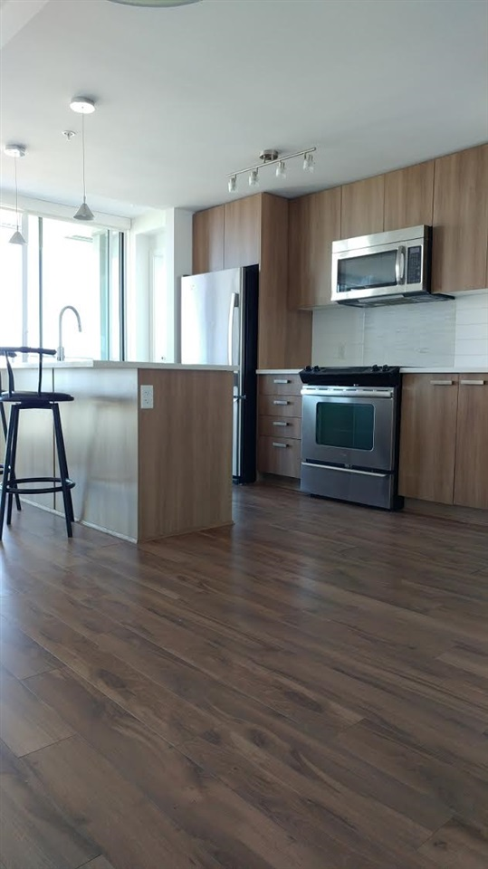 Condo Apartment at 3505 13325 102A AVENUE, Unit 3505, North Surrey, British Columbia. Image 5