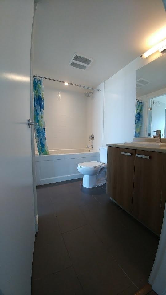 Condo Apartment at 3505 13325 102A AVENUE, Unit 3505, North Surrey, British Columbia. Image 9
