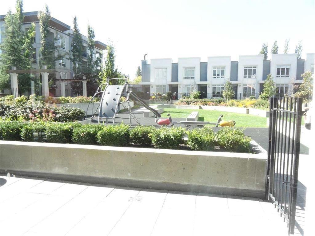 Condo Apartment at 3505 13325 102A AVENUE, Unit 3505, North Surrey, British Columbia. Image 18