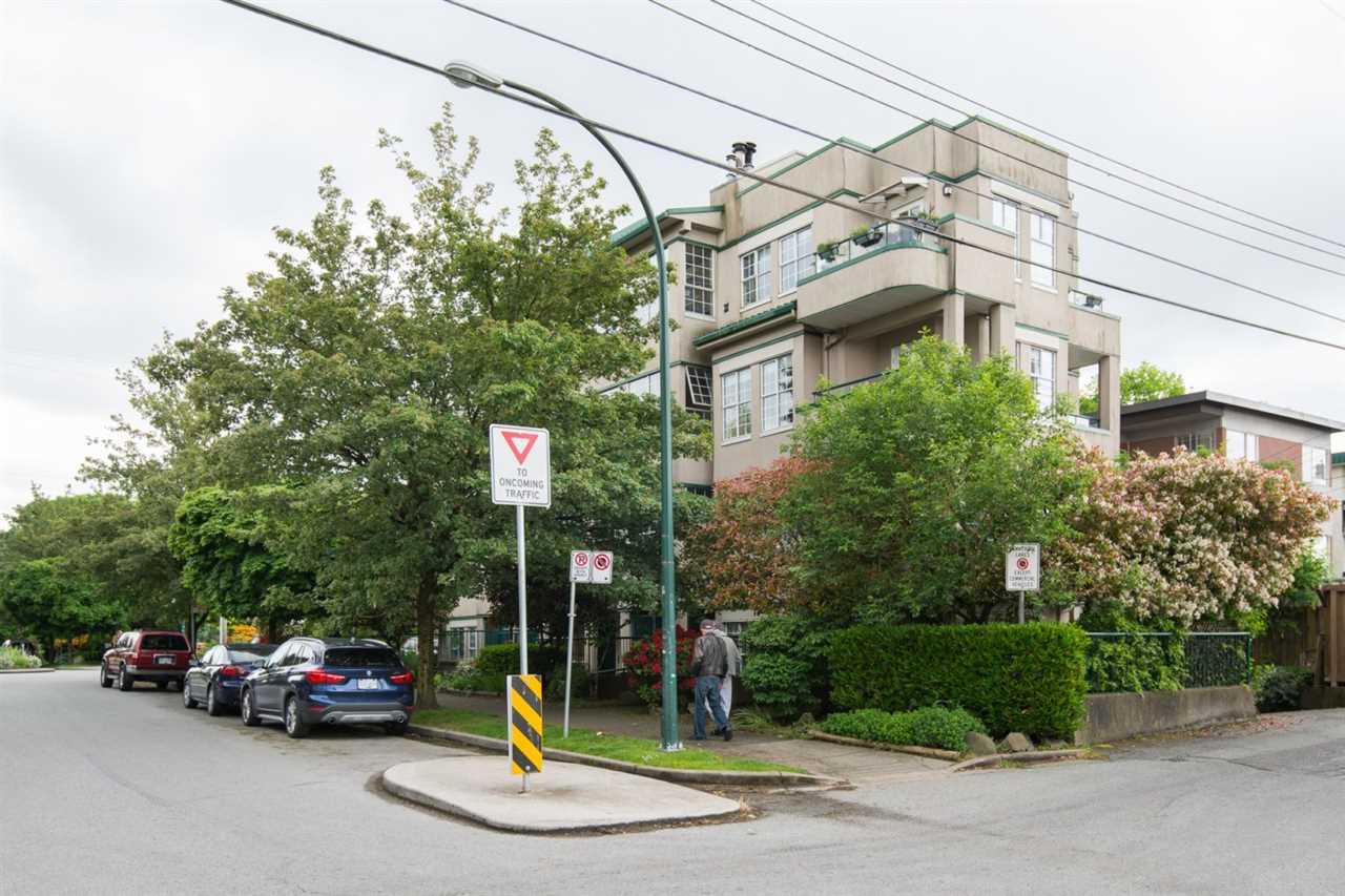 Condo Apartment at 302 2091 VINE STREET, Unit 302, Vancouver West, British Columbia. Image 1