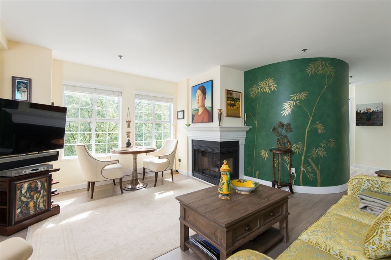 Condo Apartment at 302 2091 VINE STREET, Unit 302, Vancouver West, British Columbia. Image 4
