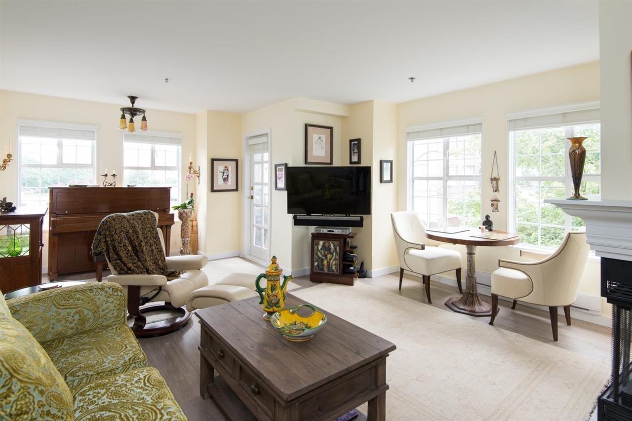 Condo Apartment at 302 2091 VINE STREET, Unit 302, Vancouver West, British Columbia. Image 5
