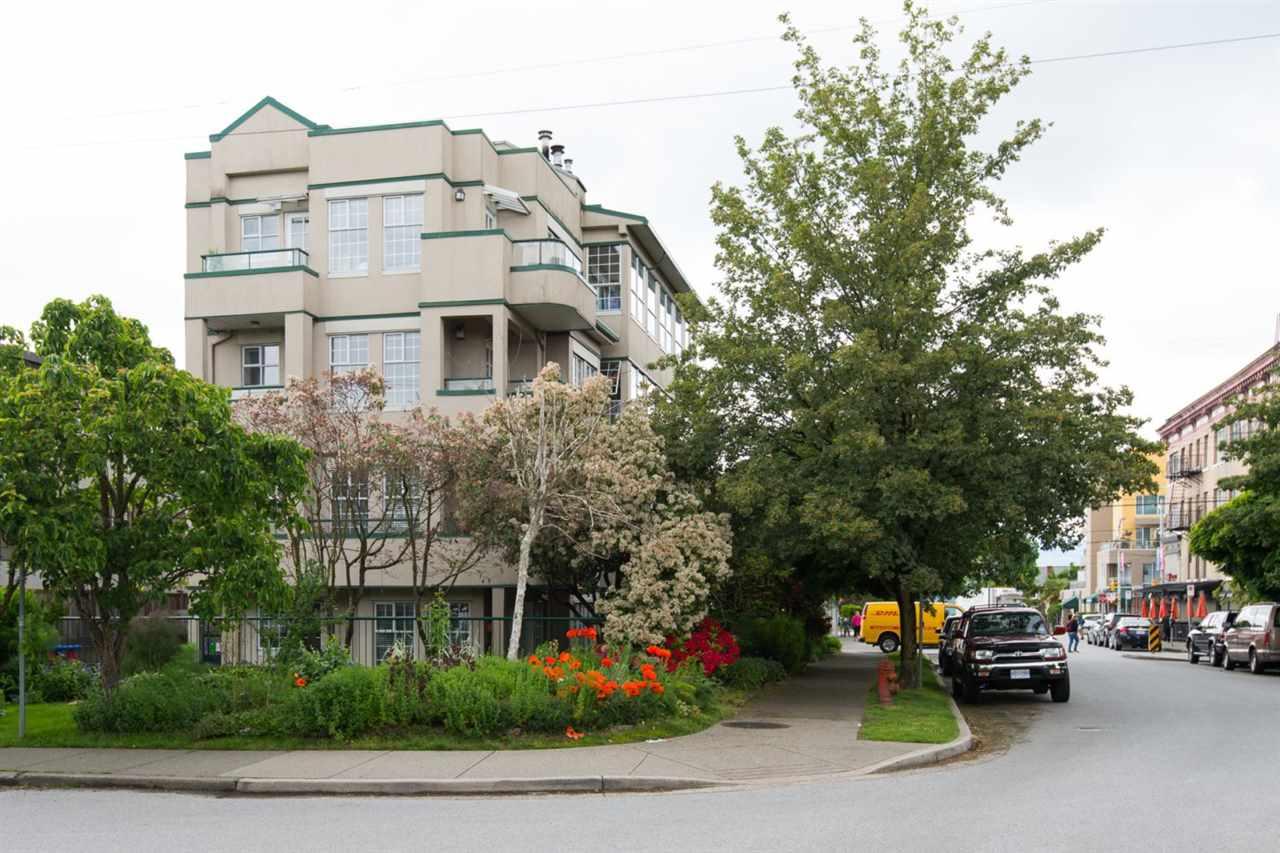 Condo Apartment at 302 2091 VINE STREET, Unit 302, Vancouver West, British Columbia. Image 15