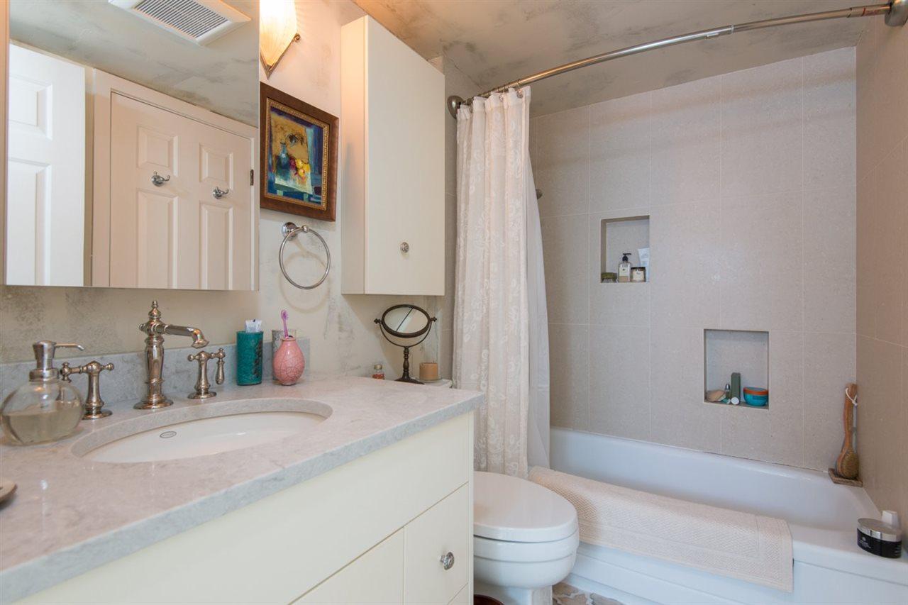 Condo Apartment at 302 2091 VINE STREET, Unit 302, Vancouver West, British Columbia. Image 16